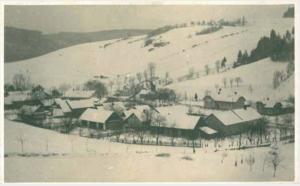Obr. 2b: Pohled na Kajlovec a rodný dům Jana Přibyly po roce 1929